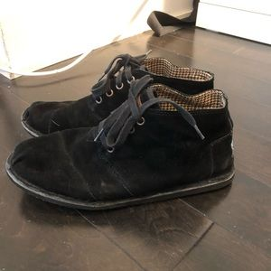 TOMS black suede flat booties size 8
